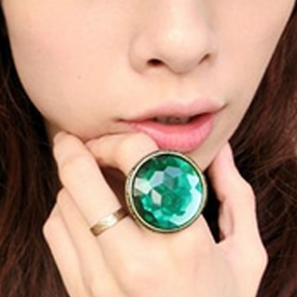 FREE SHIPPING TO AU Green Ladies Womens Shiny Antique Bronze Faux Crystal Ring